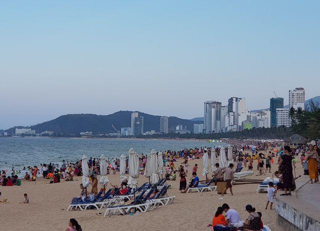 Du khách đến Nha Trang - Khánh Hòa tăng mạnh trong dịp lễ
